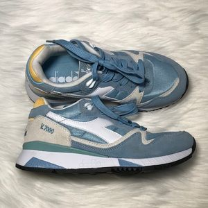 diadora Tennis beautiful colors new without tag